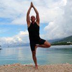 Arnold Zoor: Yoga Baum (Vrksasana)